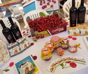 associazione in piazza a vignola ciliegia ferrovia00001