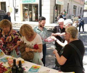 associazione in piazza a vignola ciliegia ferrovia00002